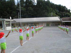 裸足で練習がんばっています!