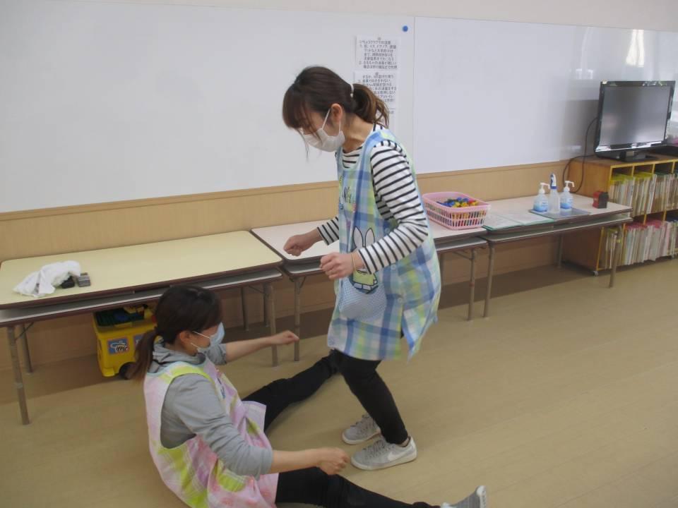 親子触れ合い遊び(5月11日)