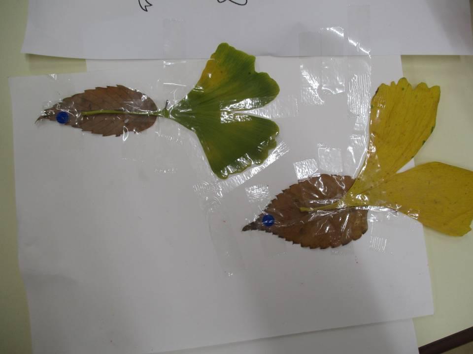 落ち葉やどんぐりを使って変身